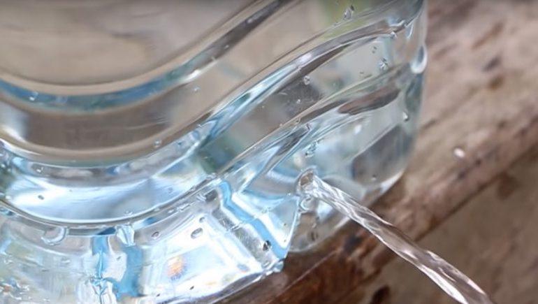 Поделки из пластиковых бутылок для дачи — фото примеров